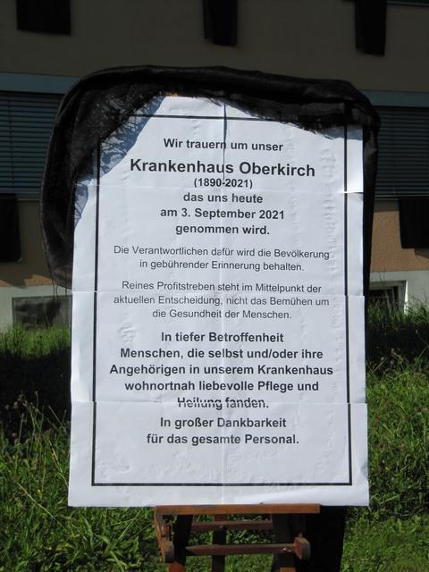 Trauer-Plakat Schließung Krankenhaus Oberkirch
